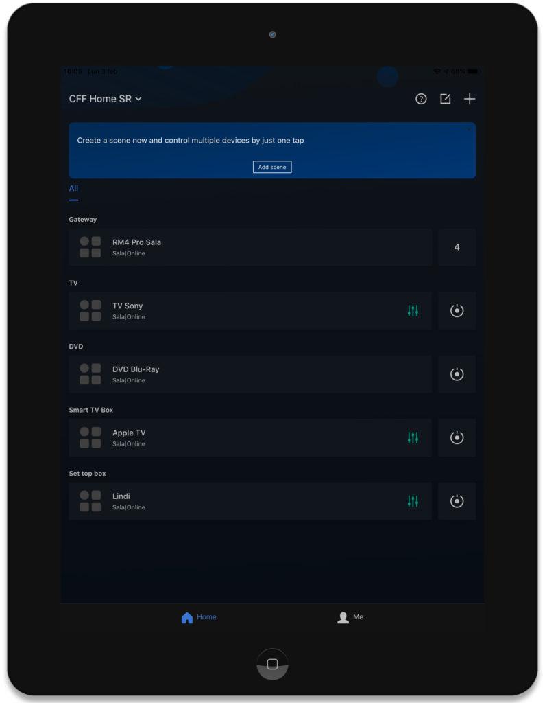 """Disabili DOC – App """"BroadLink"""", la schermata è quella iniziale e mostra un RM4 Pro posizionato nella stanza """"Sala"""" e 4 differenti telecomandi virtuali"""
