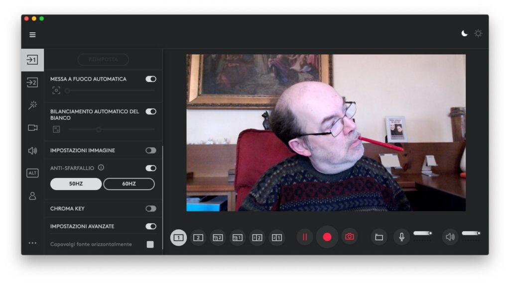 """Disabili DOC – """"Speciale Logitech StreamCam"""" – La schermata """"Logi Capture"""" mostra la App dopo aver attivato l'aspetto scuro, la """"Dark Mode"""""""
