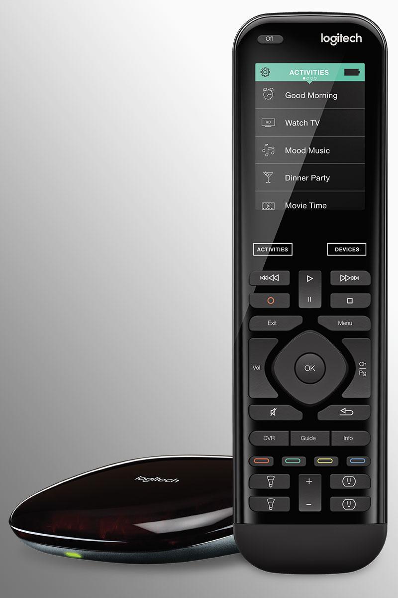 """Disabili DOC – """"Speciale Logitech Harmony Elite"""" – L'immagine mostra il telecomando universale Harmony Elite con il suo Hub Wi-Fi"""
