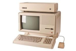 """Disabili DOC – Apple Lisa II con hard disc esterno inserito nel case denominati """"Profile"""""""