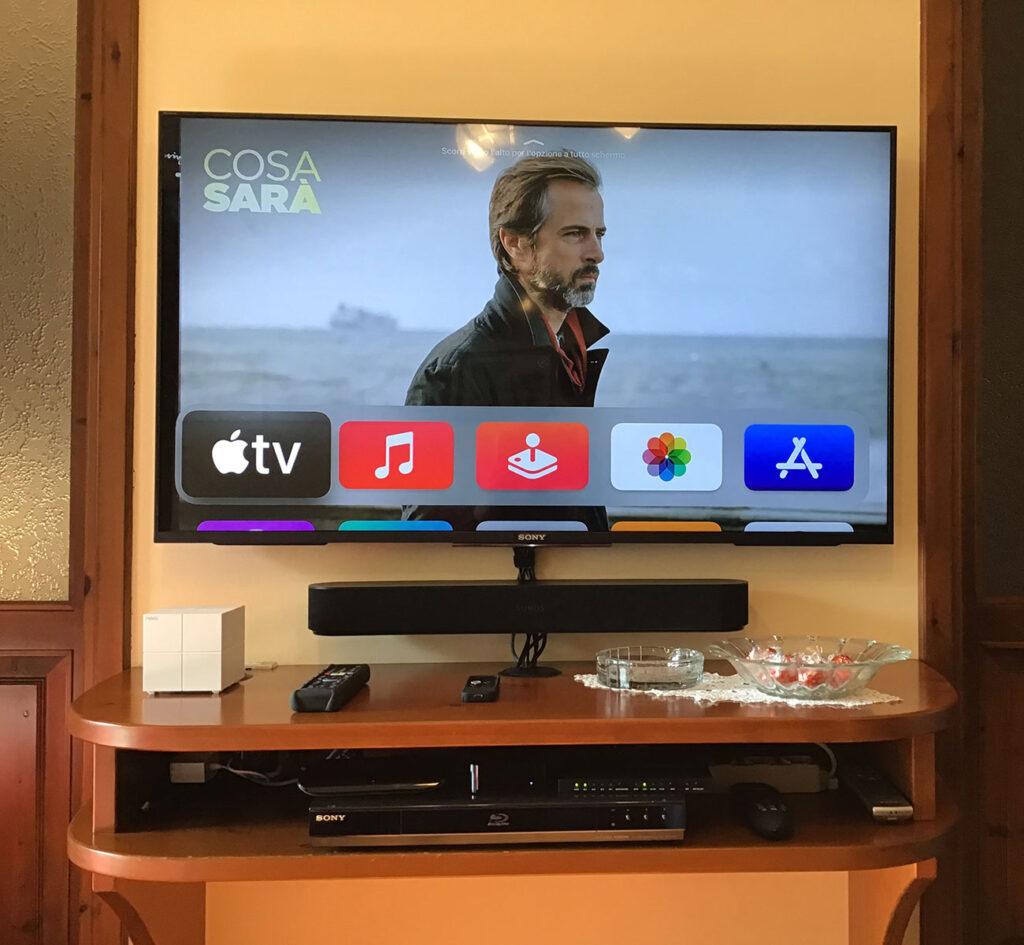 """Disabili DOC – """"Speciale Sonos Beam"""" – La soundbar Beam ambientata nel mobile TV grazie a un supporto a muro"""