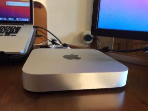 Disabili DOC – L'immagine mostra il Mac mini M1 del 2020 ormai inserito nel D-Setup